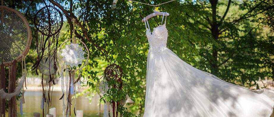 So bewahrst du am besten dein Brautkleid auf