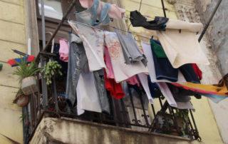 Darf man Wäsche auf dem Balkon zum Trocknen aufhängen