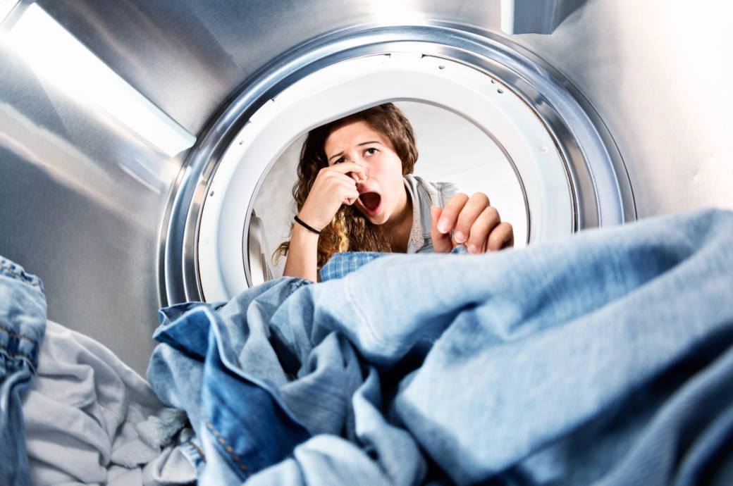 Hilfe meine Waschmaschine stinkt: Diese 4 Tipps helfen!
